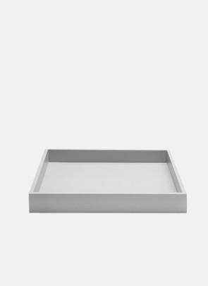 Bakke, lys grå